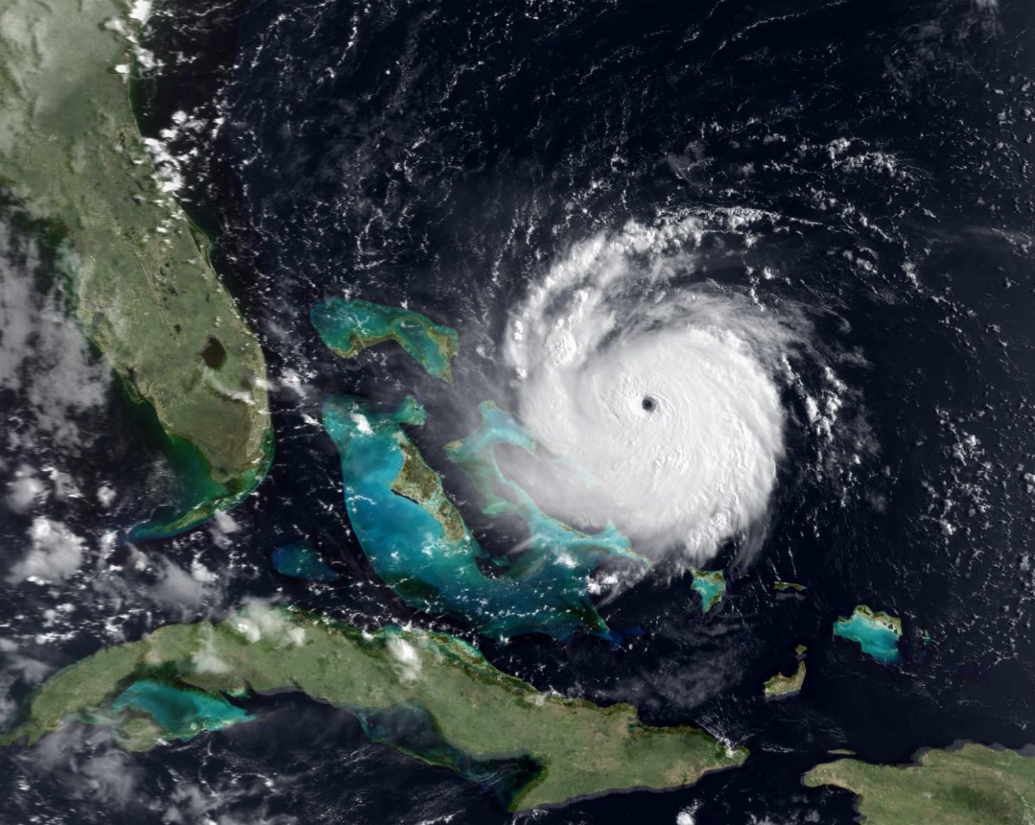 orkaan Andrew koerst richting Florida